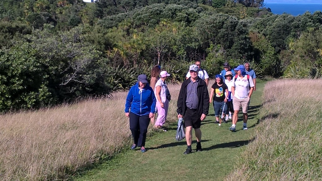 Group photo of participants walking around Tiritiri Maitangi Island