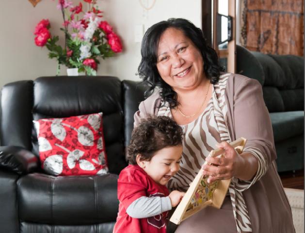 Photo of Fatima with her grandson Aijalon Pua