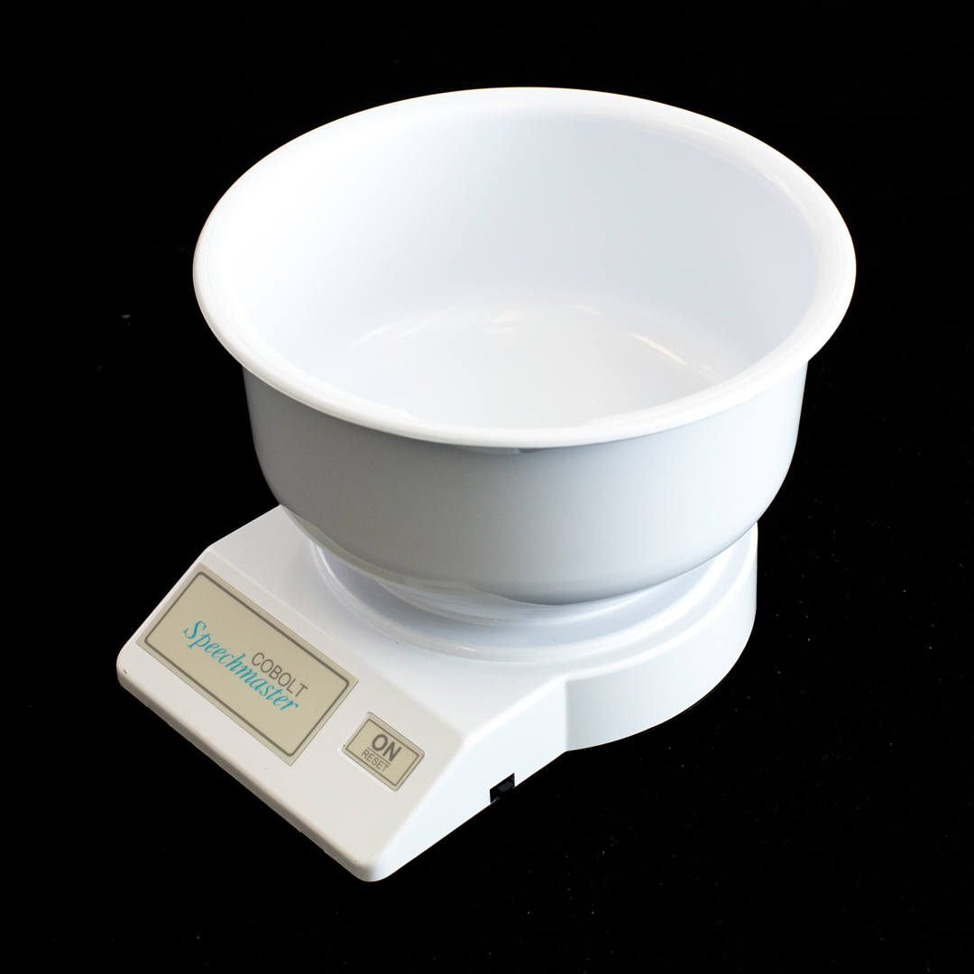 Cobolt speecmaster talking kitchen scale in white