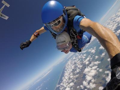 Maryanne skydiving