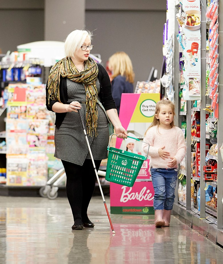 Loren shopping with her daughter