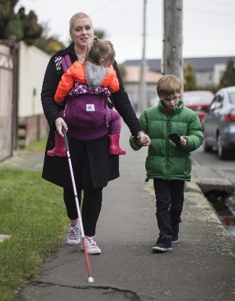 Loren does errands with her children